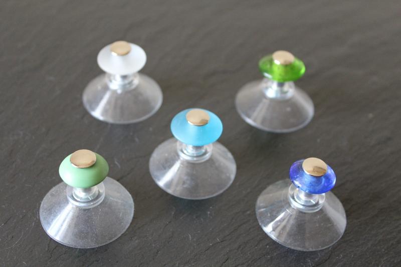 saugnapf f r den alaunkristall mit kordel talrose manufaktur. Black Bedroom Furniture Sets. Home Design Ideas